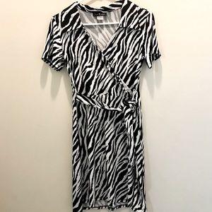 ❤️Cute ❤️ Zebra Print Stretchy Short Sleeve Dress